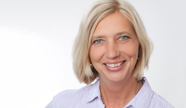 Unsere Steuerfachangestellte Alexandra Nolte freut sich auf Sie!