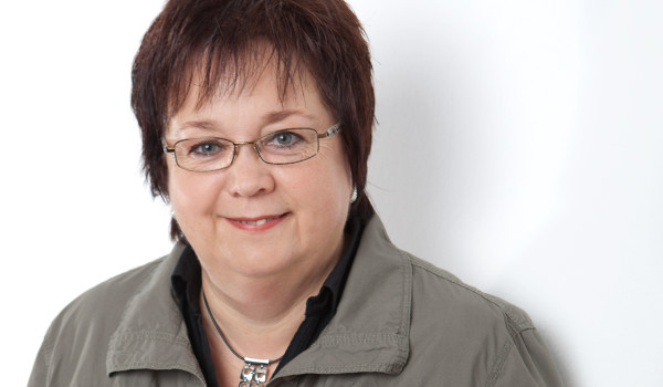 Gerne können Sie mit unserer Steuerfachangestellten Anja Redent Kontakt aufnehmen!