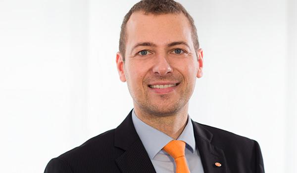 Nehmen Sie zu unserem Steuerberater, Dip.-Kaufmann und Geschäftsführenden Partner Sascha Oldendorf Kontakt auf!