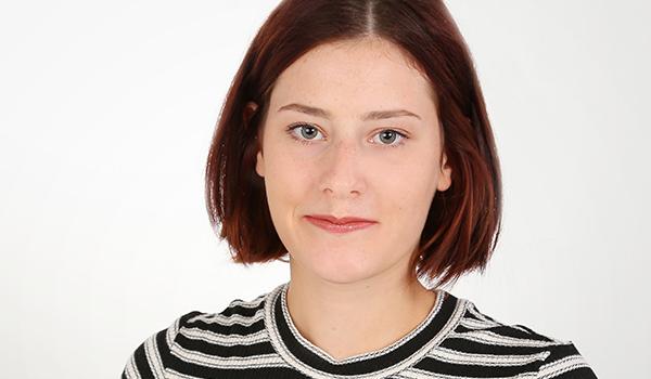 Nehmen Sie zu unserer Werkstudentin Charlotte Schulze Kontakt auf!