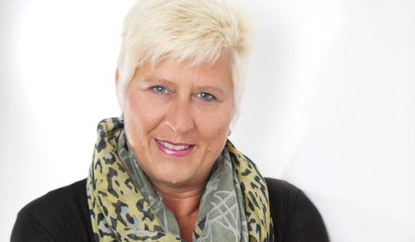 Gerne können Sie unsere Leitung der Lohnbuchhaltung Ingrid Sölter kontaktieren!