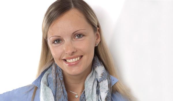Gerne können Sie mit unserer Steuerfachangestellten Julia Kuper in Kontakt treten!