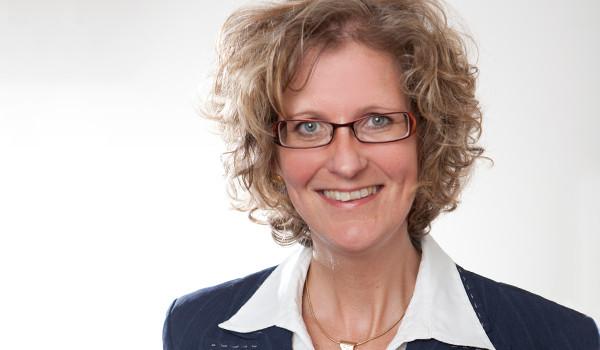 Nehmen Sie zu unserer Steuerberaterin und Geschäftsführenden Partnerin Silke Marris Kontakt auf!